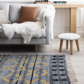 trails-rug-indigo-in-situ